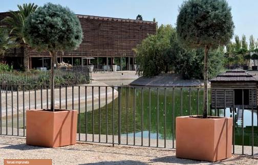 Maceteros rusticos para jardin beautiful imagen de patio - Maceteros de resina ...