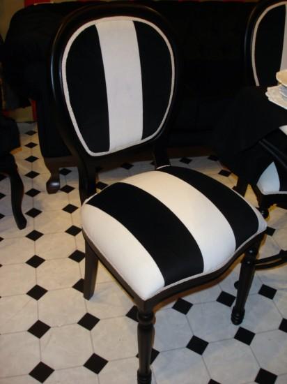 Sillas cl sicas tapizadas for Sillas negras tapizadas