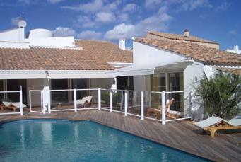 Entrada metacrilato cerco horizon para proteccion de piscinas for Protector suelo piscina
