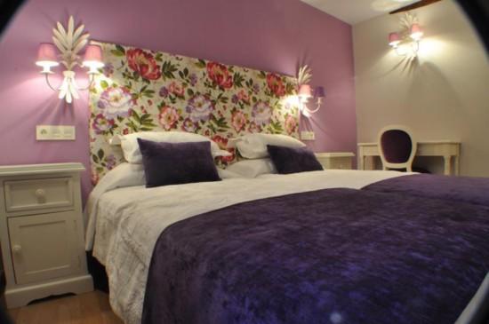 cabeceros de cama tapizados con tela de flores