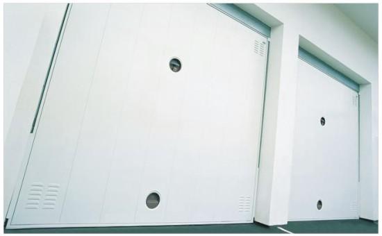 Puerta met lica de chapa de lamas lisas para garaje - Puertas metalicas roper ...