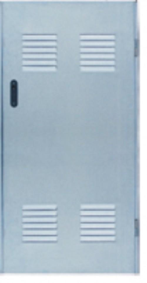 Puertas de chapa con rejillas de ventilaci n for Puertas galvanizadas medidas