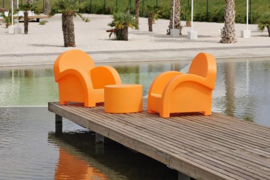 Sillones de resina con luz interior para jard n y terraza for Mobiliario jardin plastico
